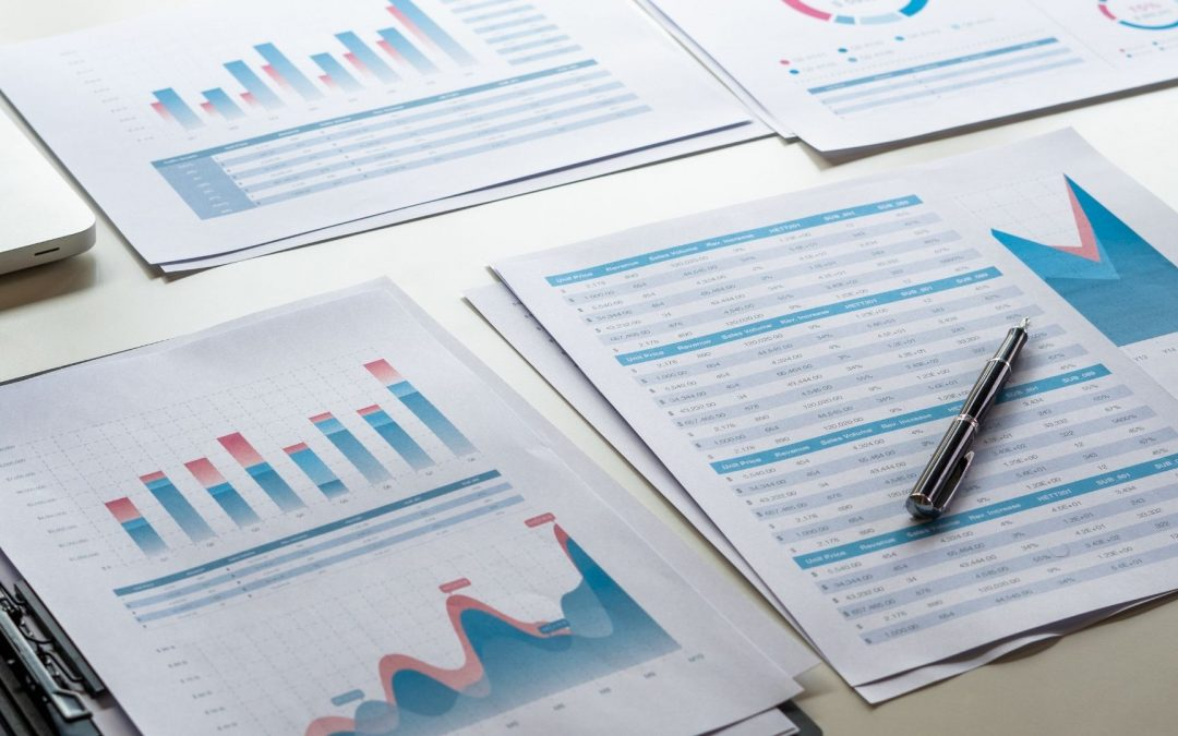 Smart Narratives to Help Reporting Process for Finance Professionals